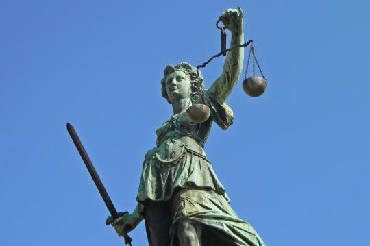 Zivil- und Strafrecht