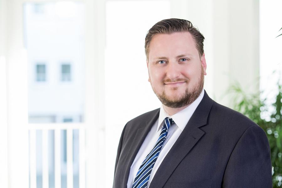 Rechtsanwalt Und Fachanwalt Für Arbeitsrecht Steffen Schroeter Aus